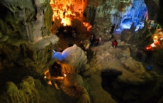 Thien-Cung Cave