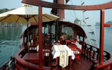 restaurant on sundeck