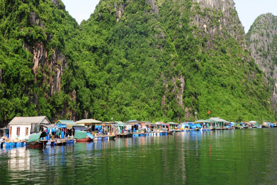 hoa cuong fishing village