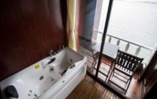 bathtub and jacuzzi