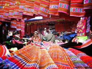 Ba Ha market