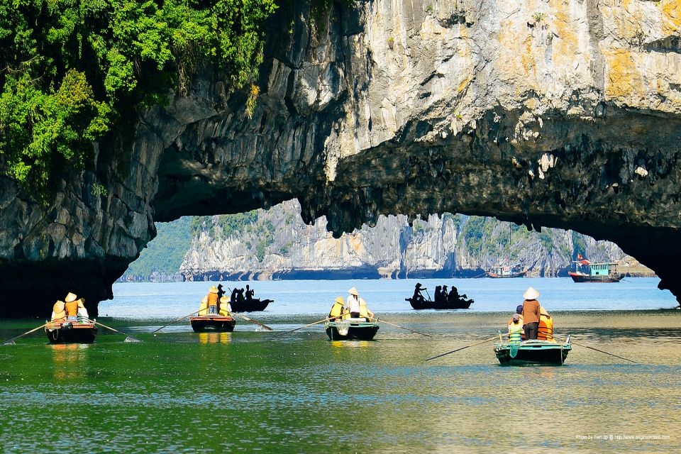 kayaking-journey-vietnam