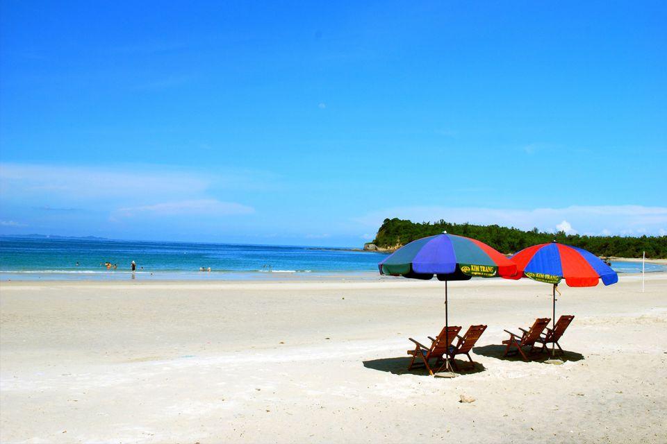 Quan Lan Island - Halong bay cruise
