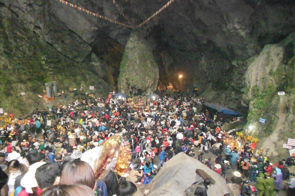 Động Hương Tích - Huong Tich Grotto