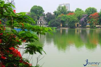Hoan Kiem Lake, Where You See The Heart! - Journey Vietnam