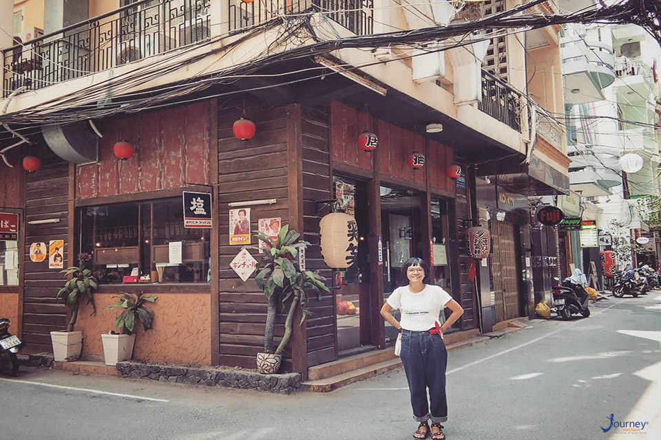 4 Little Towns Of Foreigner In The Heart Of Sai Gon - Journey Vietnam
