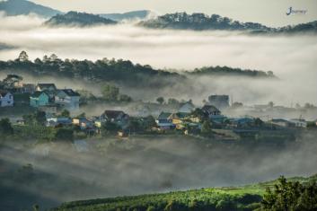 Most Attractive Cites In The Fog Of Vietnam - Journey Vietnam