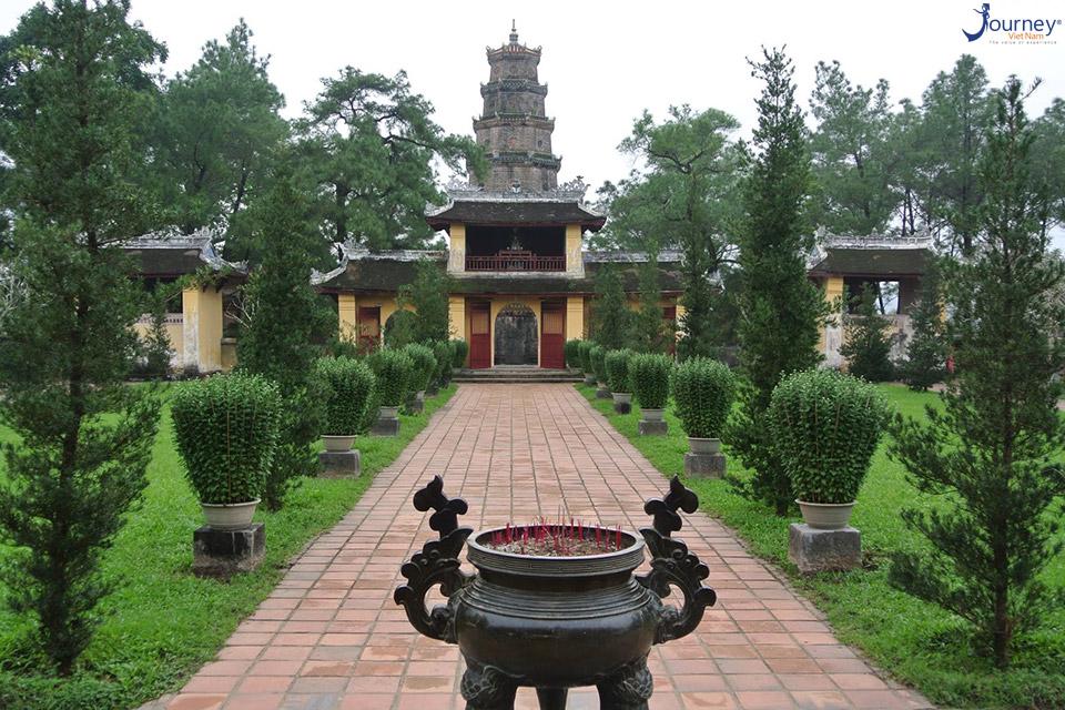 Thien Mu Pagoda - The Mystery Of The Love Curse - Journey Vietnam
