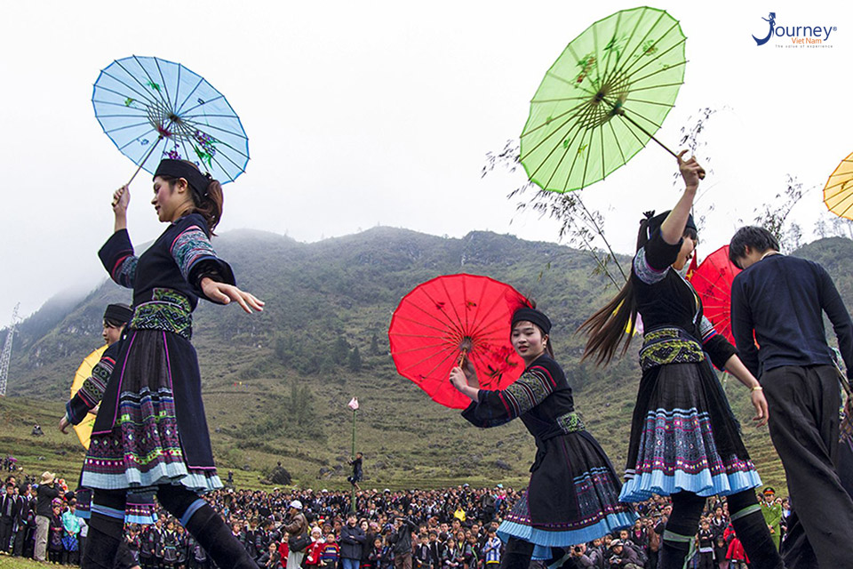 """Come To Ha Giang To Explore The """"Adultery"""" Fair - Journey Vietnam"""