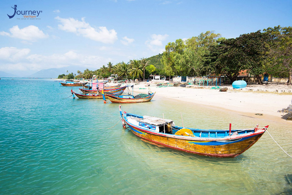 Diep Son Island - The Unique Island With The Road In The Sea - Journey Vietnam