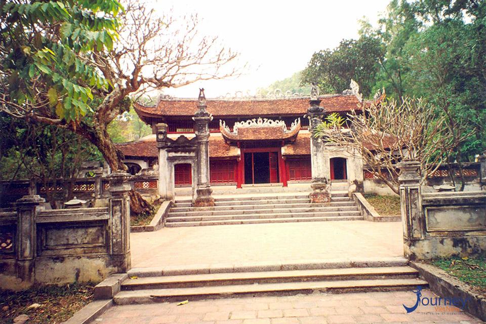 Phu Dong Temple - Spiritual Journey
