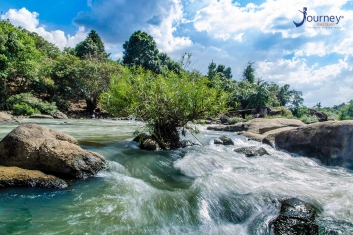 Mai Waterfall – New Hot Spot For Teenage Of Sai Gon